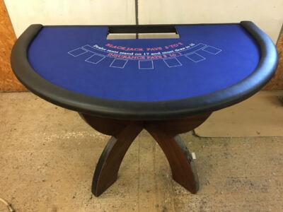 Fun-Casino-Blackjack-Table