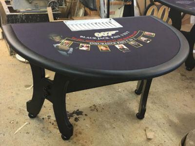 James-Bond-Blackjack-Table