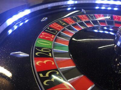 Black-Custom-Roulette-Wheel-LED-Lighting